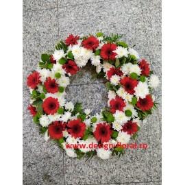 Coroana funerara crizanteme si gerbera