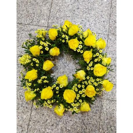 Coroana funerara trandafiri galbeni