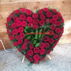 Inima funerara trandafiri