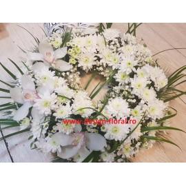 Coroana funerara crizanteme albe