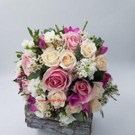 Buchet mireasa trandafiri si mathiola