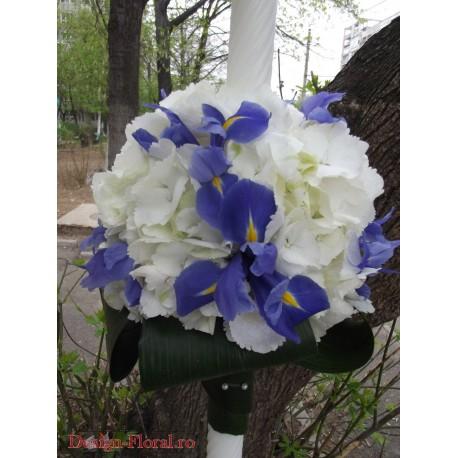 Lumanare botez glob hortensie si iris