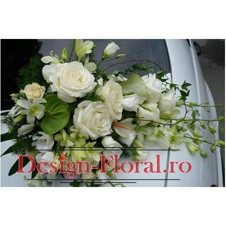 Aranjament masina trandafiri si orhidee