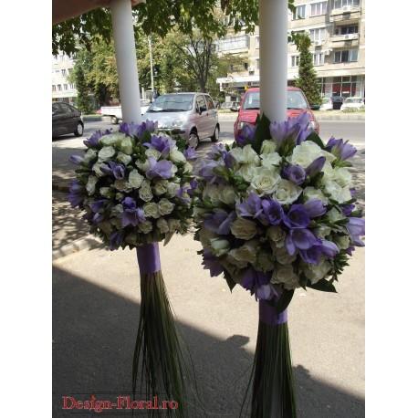 Lumanari nunta glob minirose si frezii mov