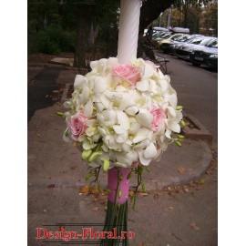 Lumanare botez glob din orhidee alba si trandafiri roz