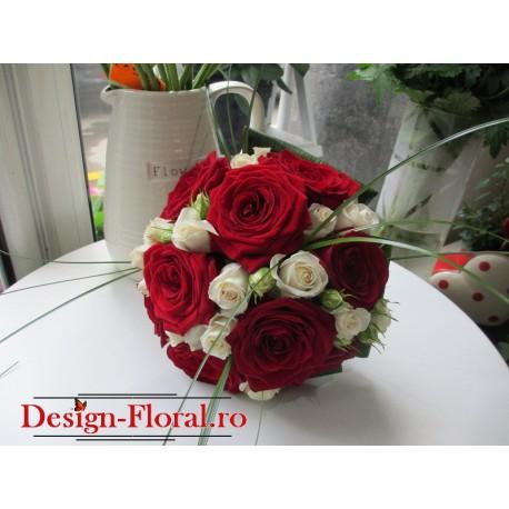 Buchet de mireasa trandafiri